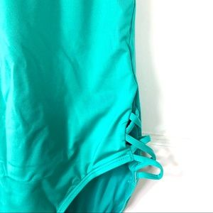 Laundry By Shelli Segal Swim - NWT Laundry by Shelli Segal Plunge 1 PC Swimsuit